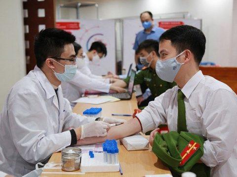 Blood Test Doctor Patient Medical  - vienhuyethoc / Pixabay