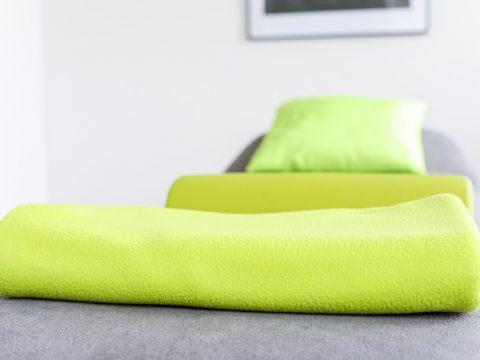 Towel Massage Physiotherapy  - CapeCom / Pixabay