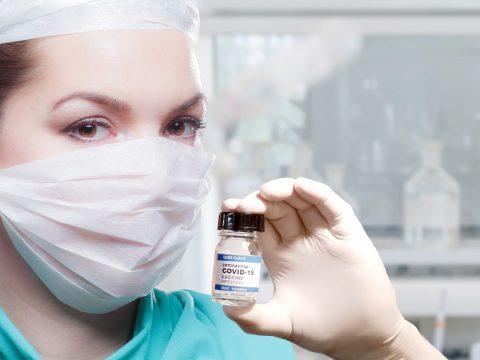 Woman Doctor Vaccine Covid   - WiR_Pixs / Pixabay